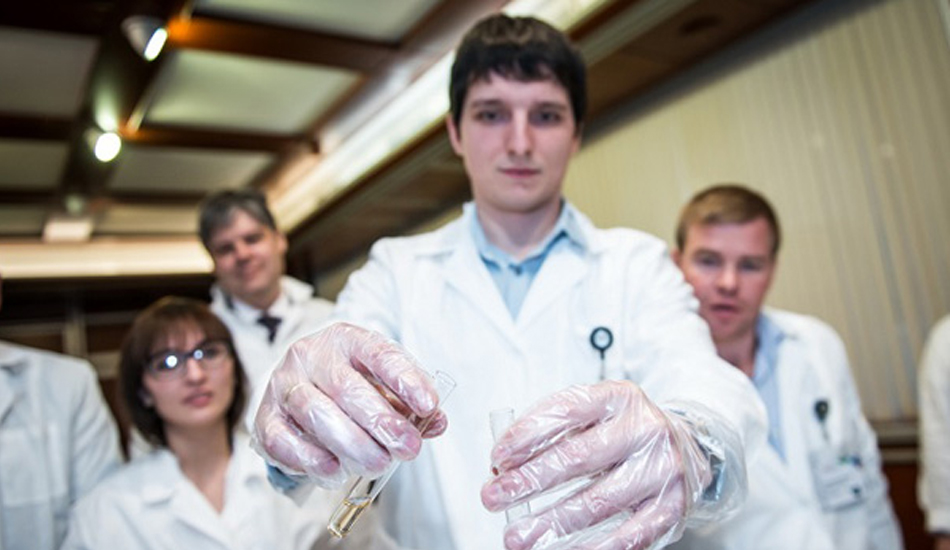 командные задания с реальными химическими экспериментами